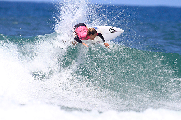 Coco Ho smashes the lip in the finals Photo http://www.oceanopro.com
