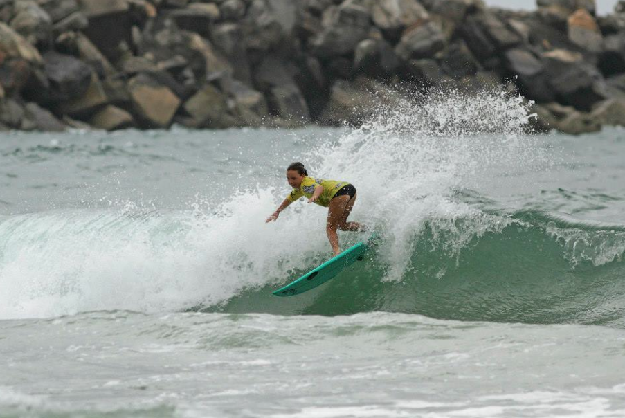 Carly Shannahan Subway Summer Series photo by Surfing NSW