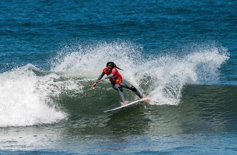 Carina Duarte  photo by Associação Nacional de Surfistas  Pedro Lopes / Liga Moche