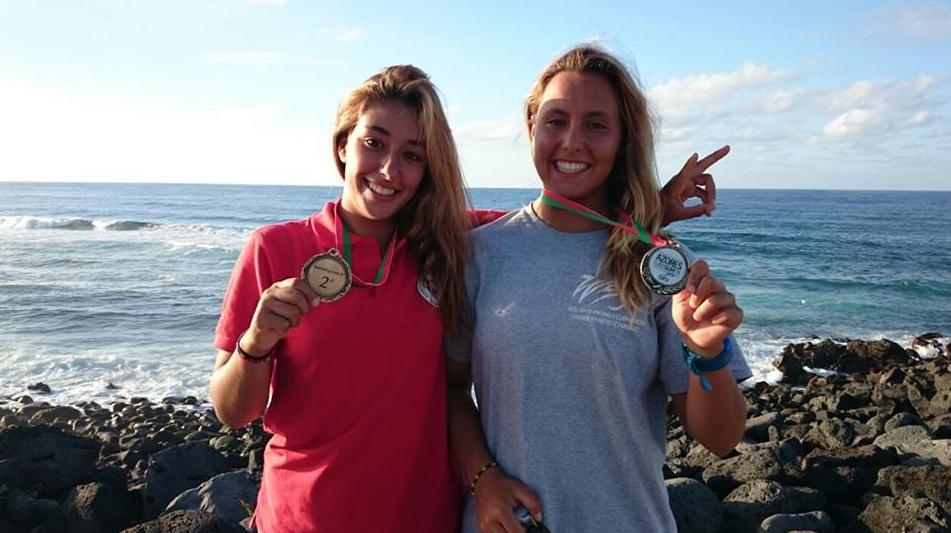 Ariane Ochoa and Maddi Fernandez with their individual medals