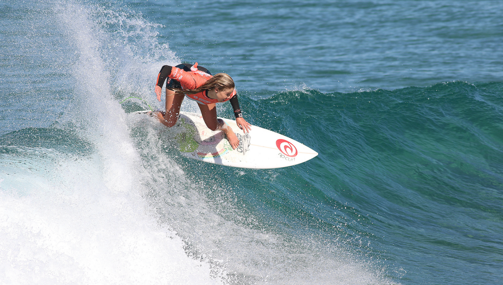 Lucy Callister photo by Ethan Smith / Surfing NSW