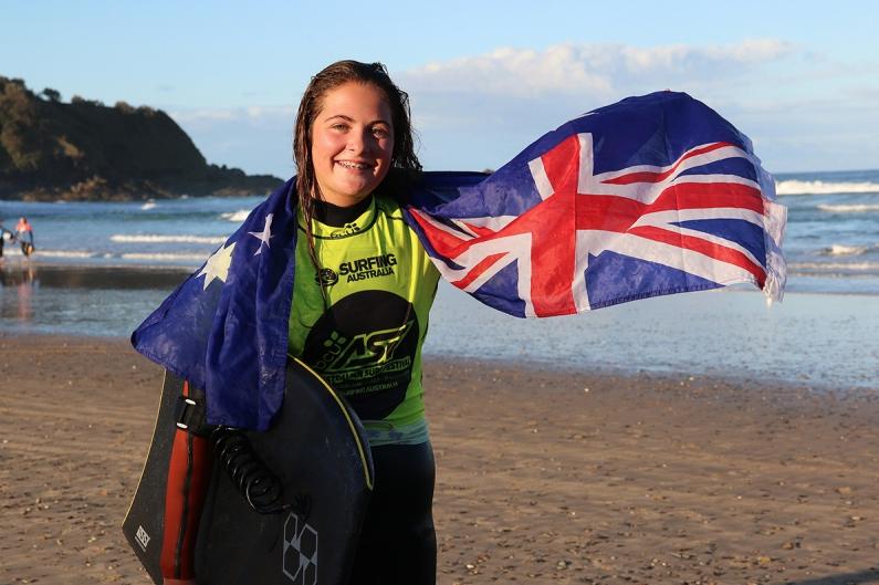Teigan Gillett wins the 2015 Junior Women's title. Photo Surfing Australia